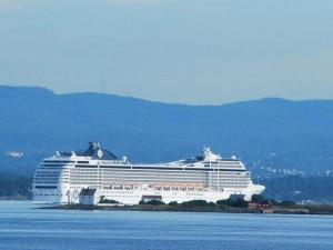 crucero entrando en Valencia